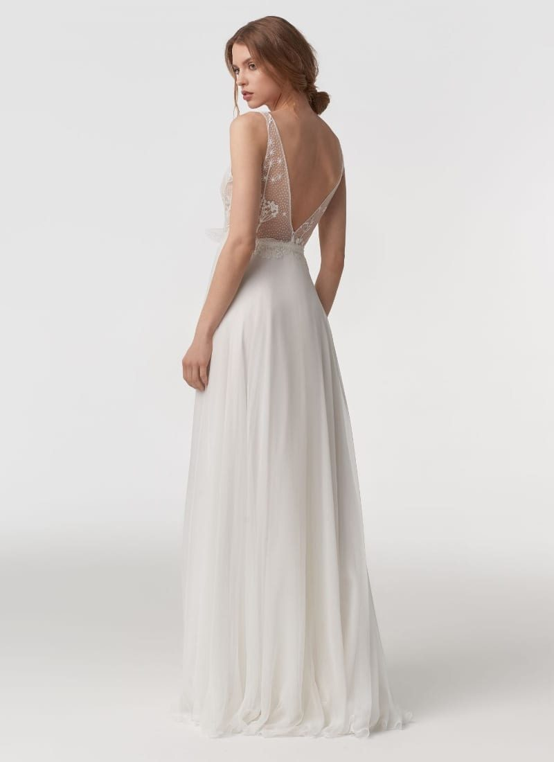 Gisela by Anna Kara back view of wedding dress